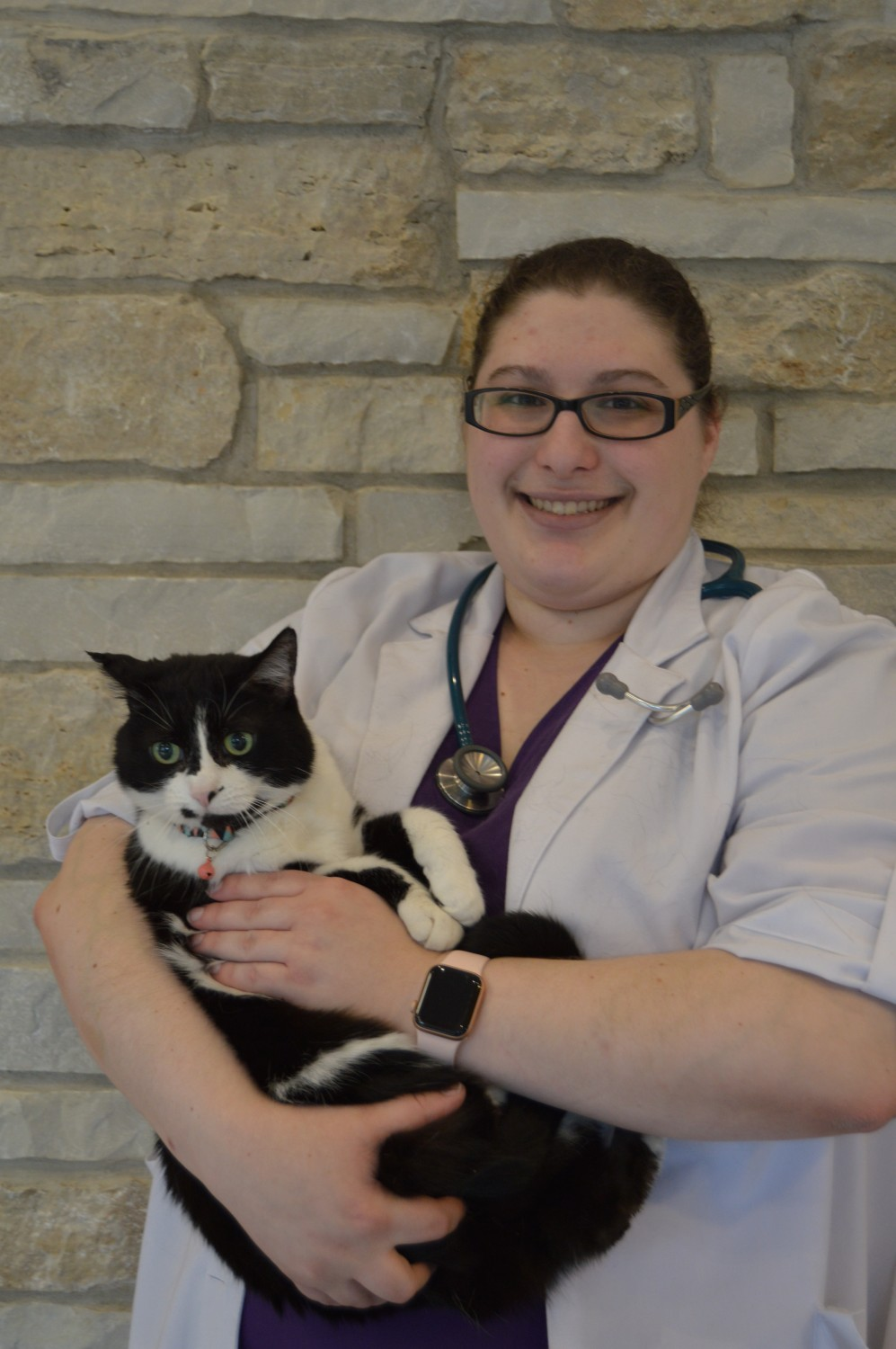 Dr. Levine Veterinarian Cary Grove Animal Hospital Cary, IL